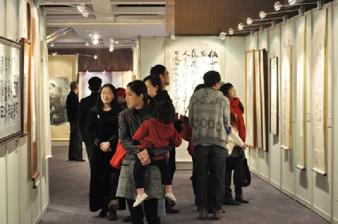 圖為飛馳中2012秋季國際藝術拍賣會書畫專區