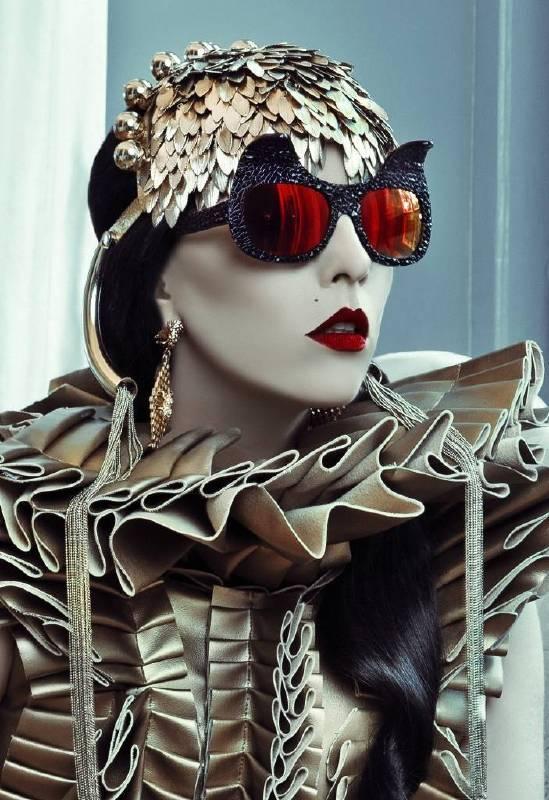 DETOUR 2014 @ PMQ Anna Karin Karlosson Greta的Anna擁有音樂和藝術的學養背景,在構思眼鏡設計時亦滲透這些元素