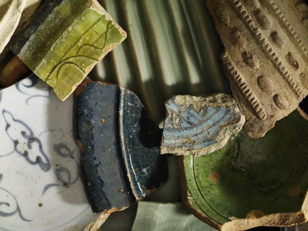 基盧瓦瓶罐碎片
