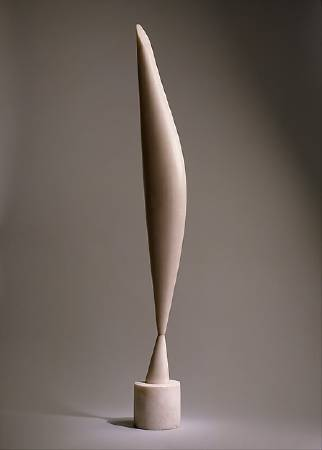 Constantin Brancusi ,《bird in space》,1923。圖/取自wikiart。