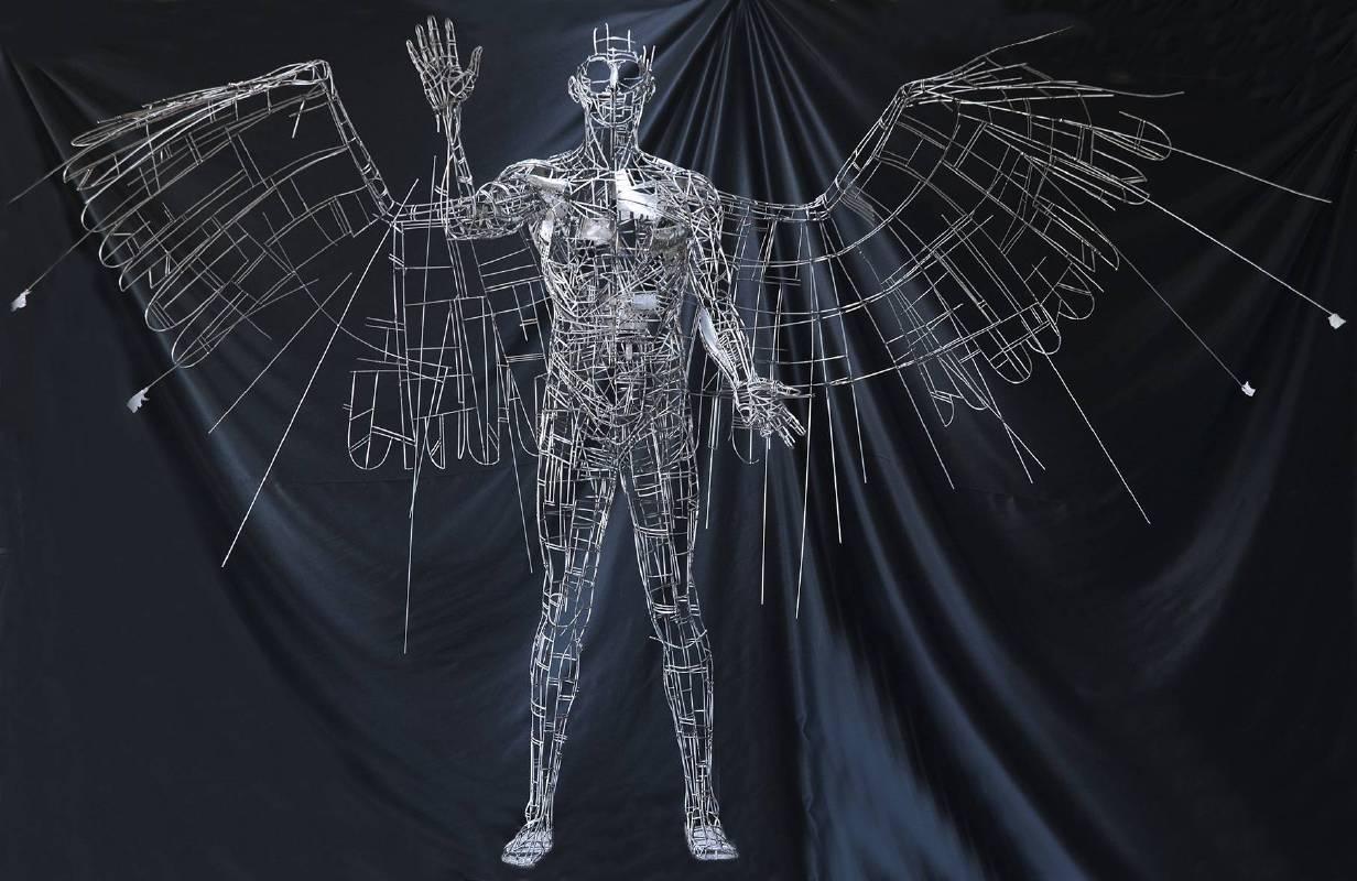 Jordi Diez Fernandez《Winged Man》Iron_L350×W97×H330cm_2015