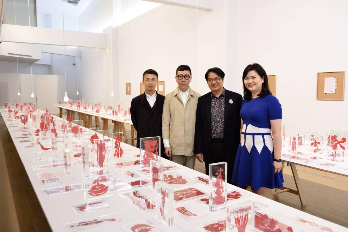 左至右:藝術家助理林可夫、藝術家吳耿禎、尊彩藝術中心負責人余彥良、尊彩藝術中心總經理陳菁螢。