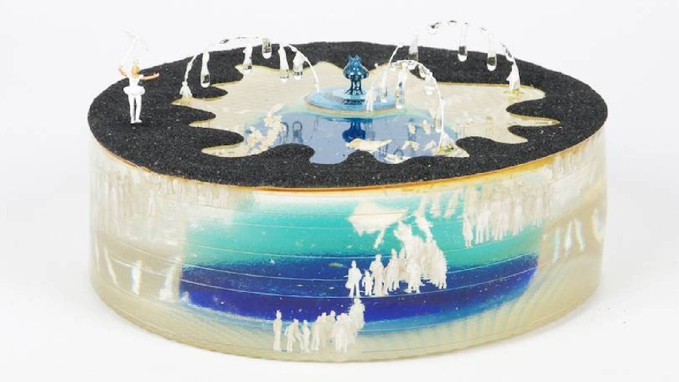 噴水池,複合媒材,20cm x 20cm x 10cm,2013