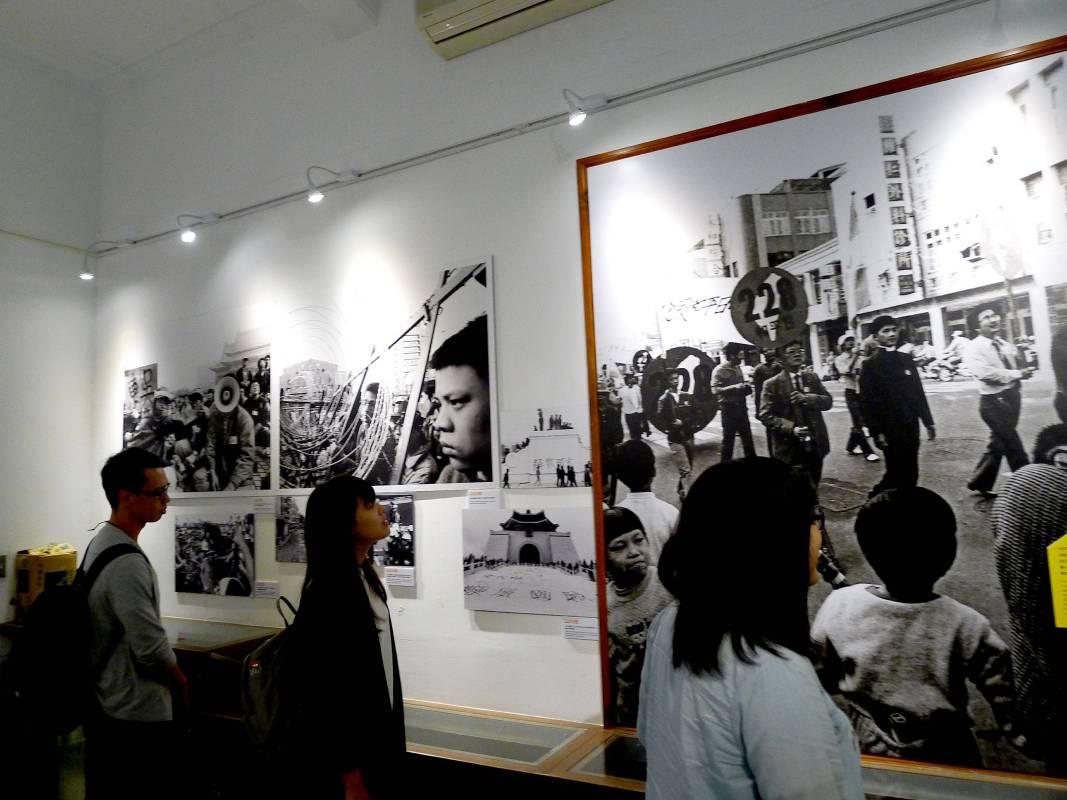 臺韓兩國同樣走過政治改革的坎坷路,終能實現由威權過渡到民主的轉型道路-2