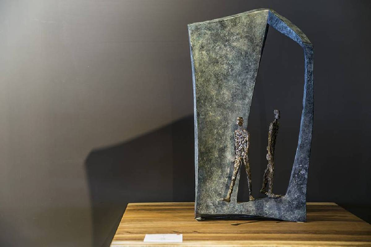 Val青銅作品Volte-face 回首-表達矛盾躊佇而衝突的心靈狀態