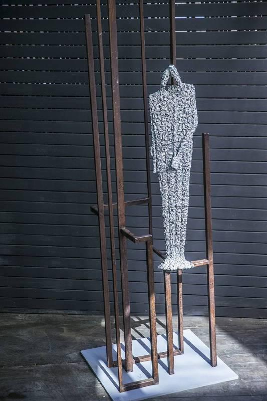 Val大型青銅作品-dualite對偶-傾訴情人間濃密的情感