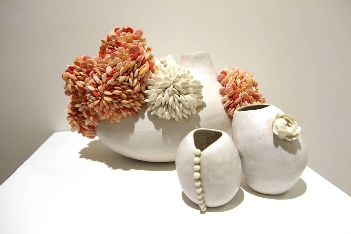 胡慧琴《時間的霉-小花器》 陶瓷 40x25x15cm  2015