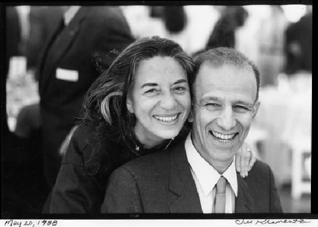 美國現代畫家卡茲與妻子。
