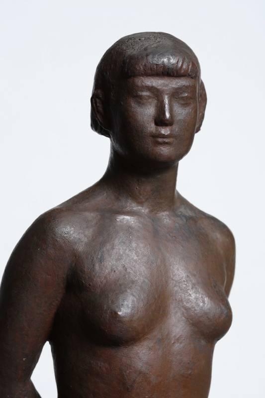 陳夏雨 裸女立姿 54.5x18.2x12.7cm 銅 1944 (局部)