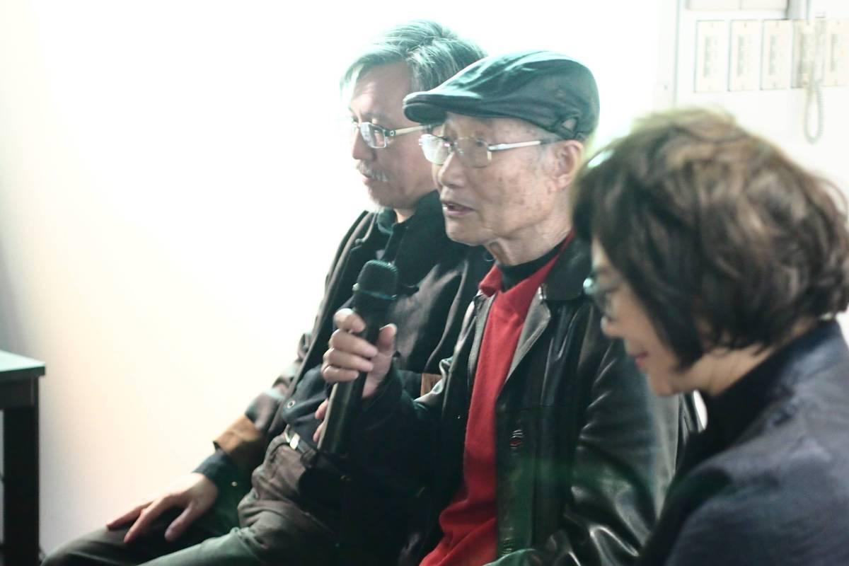 研討會-藝術家朱為白說明創作概念