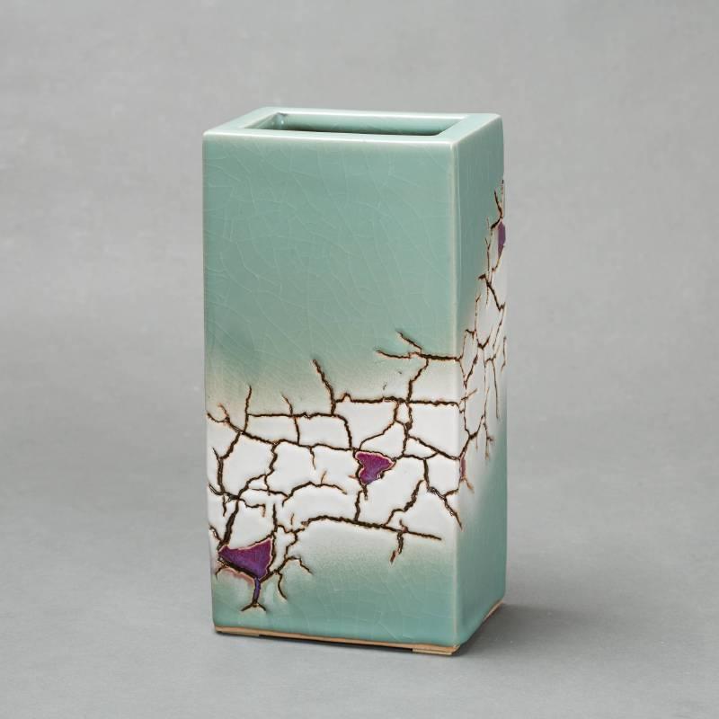 林振龍  大地方瓶  15.5x11x30 cm  瓷器 2013
