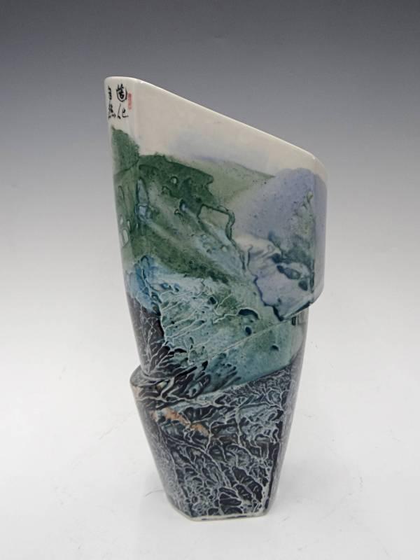 張進勇  《造化自然宙變瓶》2016  15×7×29㎝