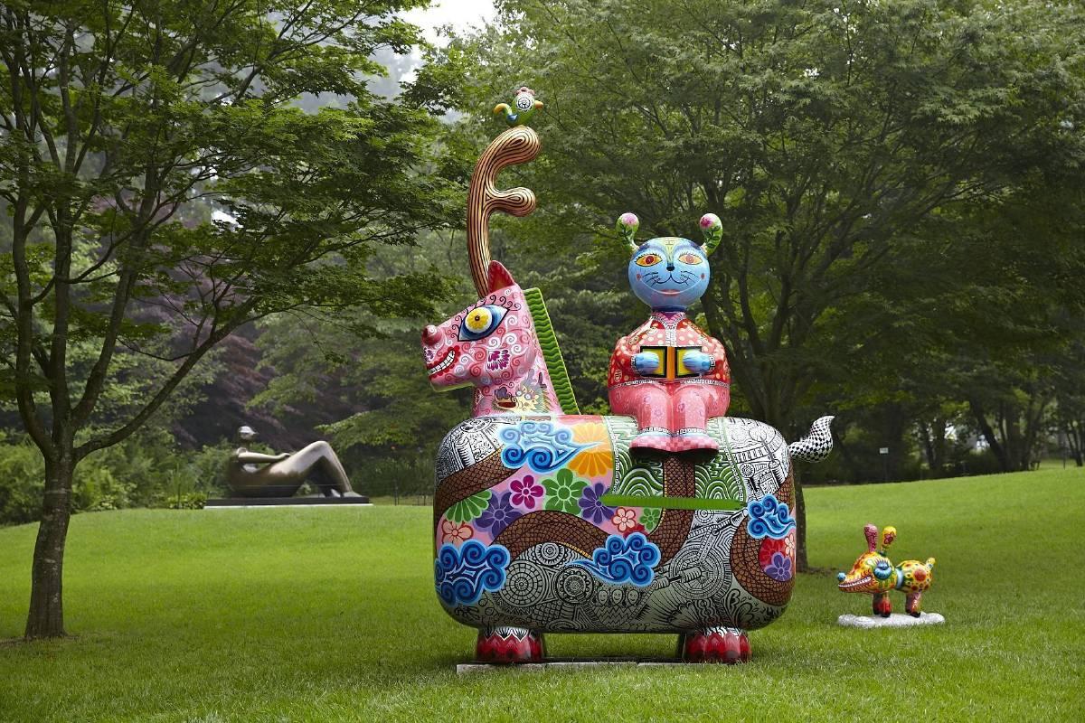 美術館戶外展區/洪易 龍馬 鋼板彩繪 240x143x350cm