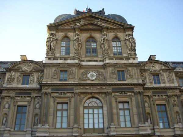 《羅浮宮方院西牆上的雕刻》/Jean Goujon。