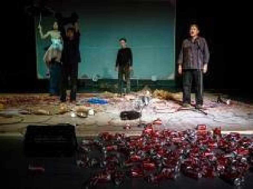 行為表演:王墨林&黑名單工作室&區秀詒《哈姆雷特機器詮釋學》