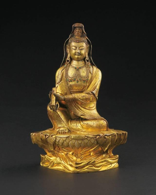 Lot 1106 / 清乾隆 宮廷風格銅鎏金書卷坐岩自在觀音