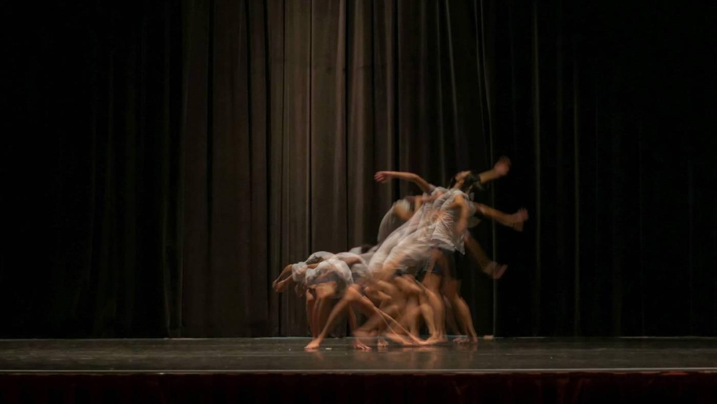 13次的彩排 13 Rehearsals    單頻道錄像 / 立體聲 / 3m50s / 2015