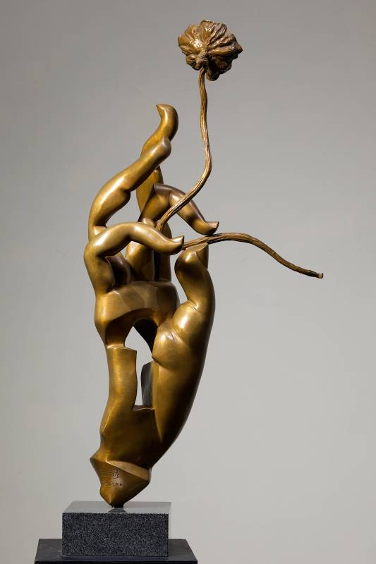 秋藕  Autumn Lotus 54.5x57.5x89cm,Bronze,2010
