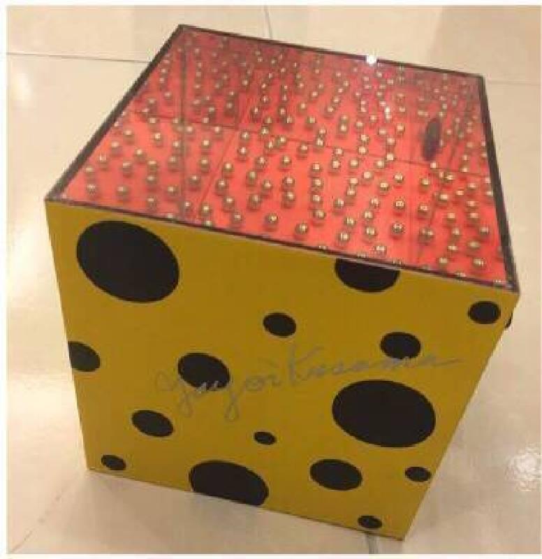 草間彌生 萬花筒 14x14x14cm  複合媒材  2001