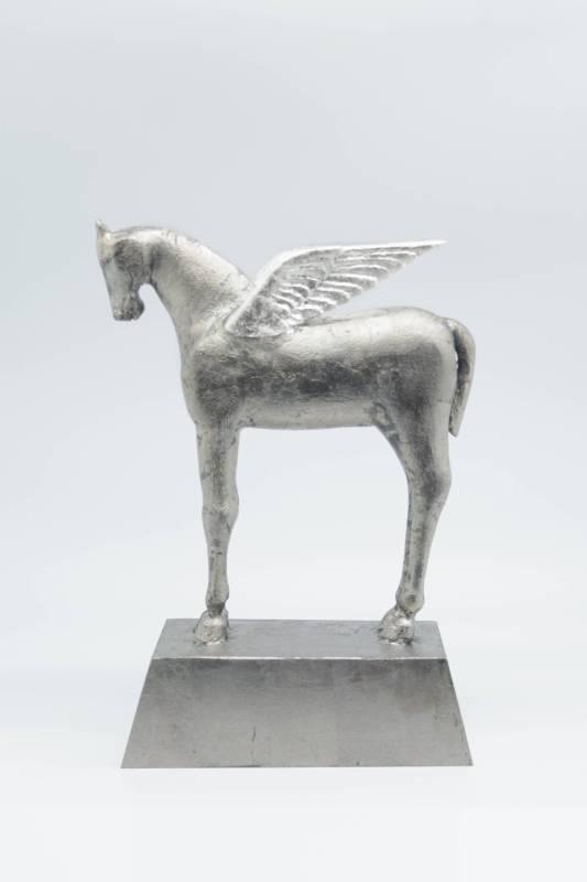 月之庭-飛馬,深井隆,30x22.5x10cm,樟、銀箔,2016