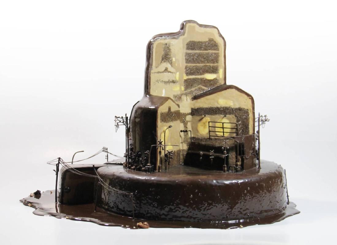 林玉婷 Lin Yu-Ting_ 鐵道_三層蛋糕 Along the Railraod_Three Layer Cake.jpg