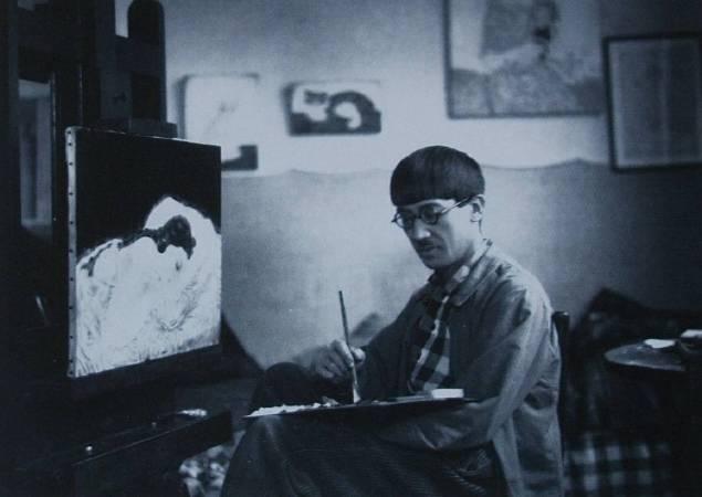 藤田嗣治作畫紀錄,攝於1917年,Jean Agélou攝。圖/取自Wikipedia。