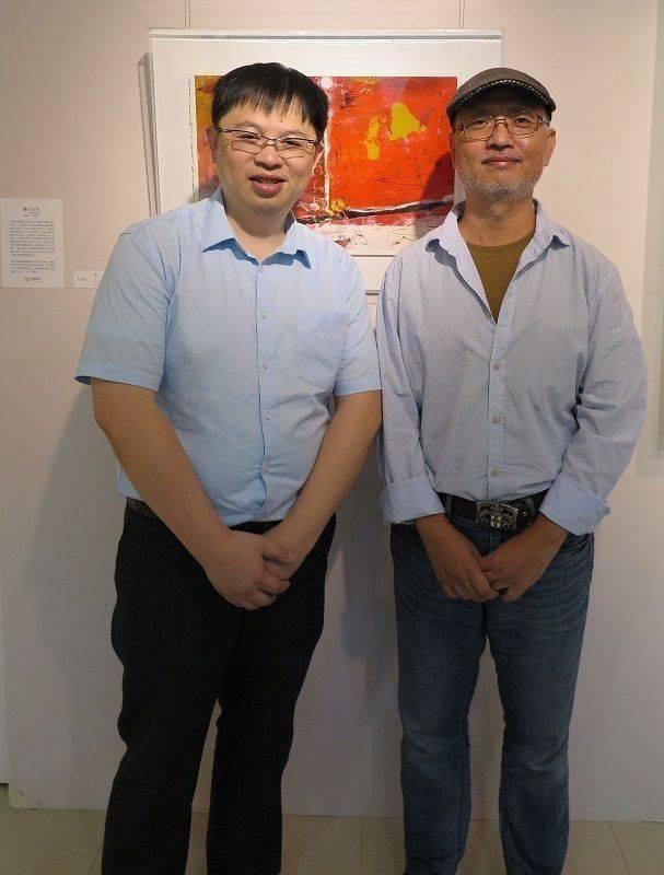 油畫大師柯適中(右)國璽藝術總經理鄭世弘。 蔣佳璘/攝影