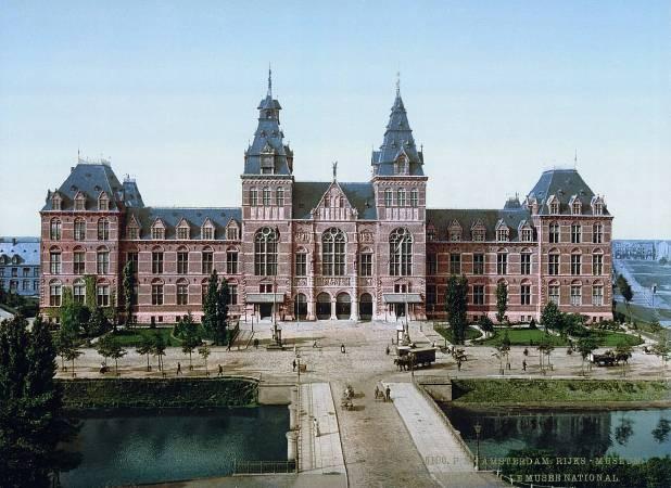 https://commons.wikimedia.org/wiki/File:Rijksmuseum_Amsterdam_ca_1895.jpg