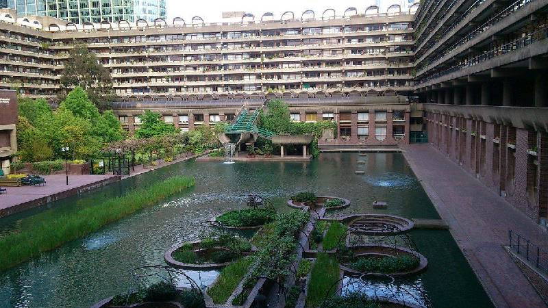https://commons.wikimedia.org/wiki/File:Barbican_Centre_London_ABowery.jpg