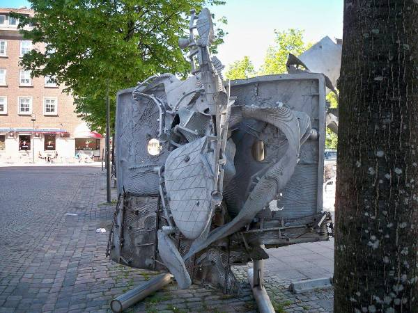 法蘭克.史特拉《Çatal Hüyük》,2008。Mikael Ejdemyr 攝,圖/取自Wikipedia。