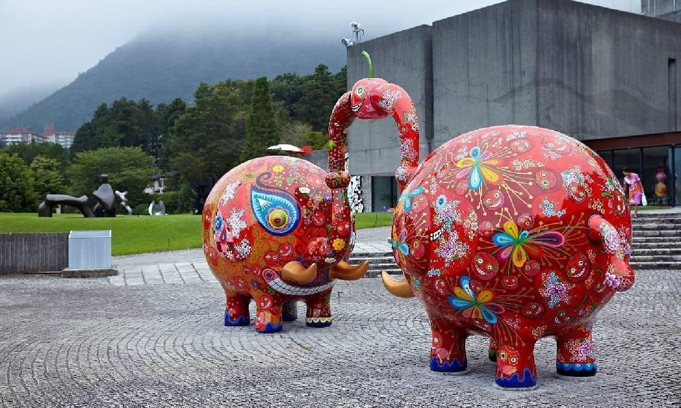 分享象展出於日本雕刻之森美術館