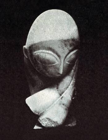 Constantin Brancusi ,《Portrait of Mademoiselle Pogany 》,1912。圖/取自wikipedia。