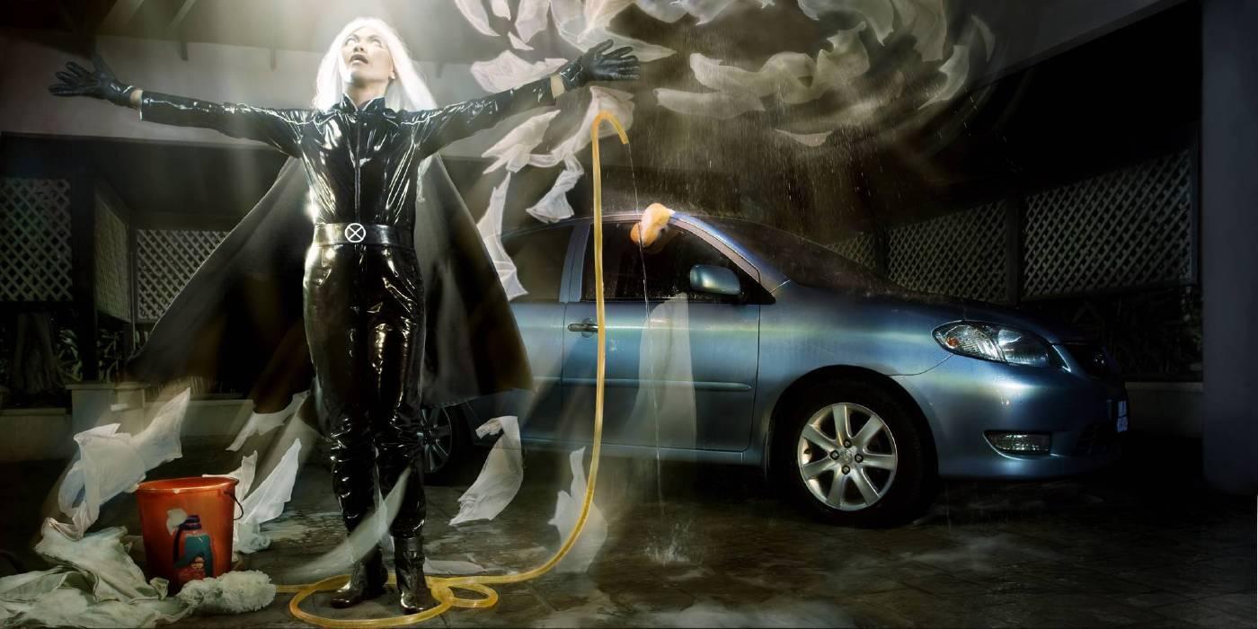 黃海昌,《馬來西亞女傭:暴風女》,2008,攝影、燈片、燈箱,85x170cm