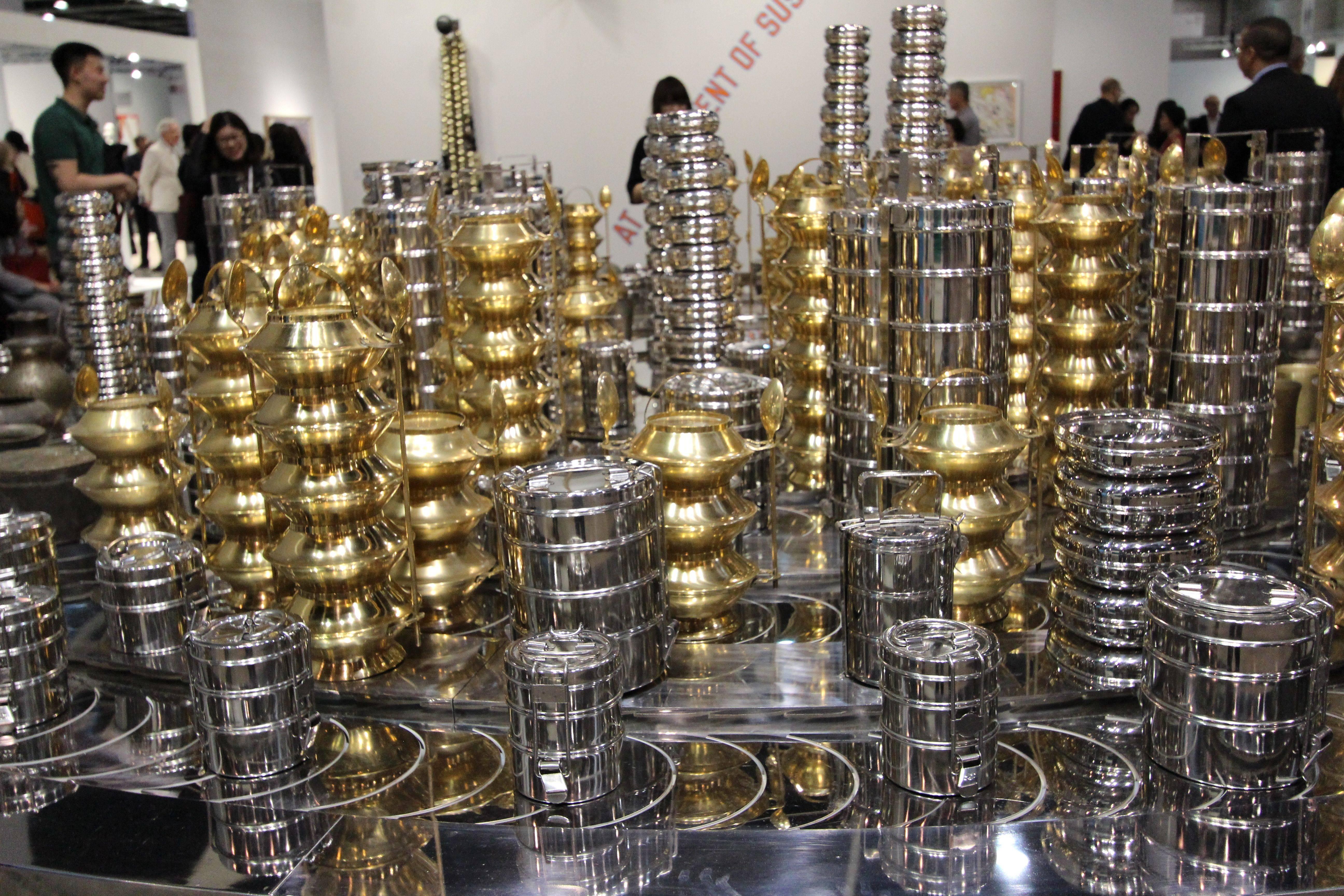 印度藝術家Subodh Gupta《Start.Stop.》