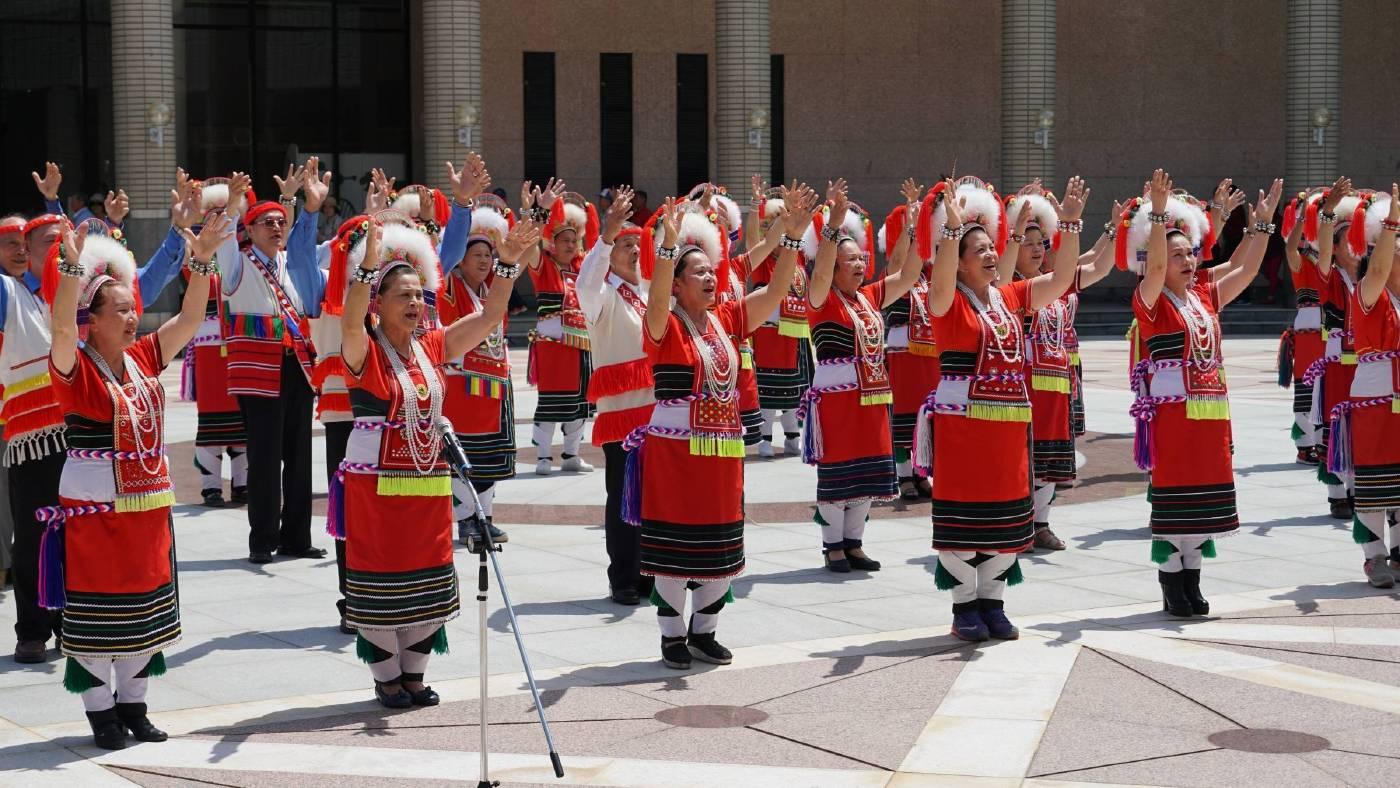 太巴塱與東豐的阿美族人傳統舞表演與古調領唱