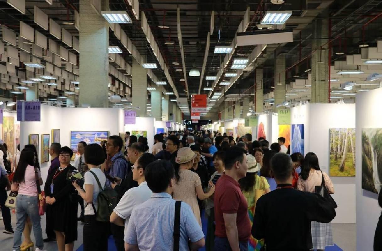 台北新藝術博覽會5月17日VIP之夜名媛雅士貴賓雲集。