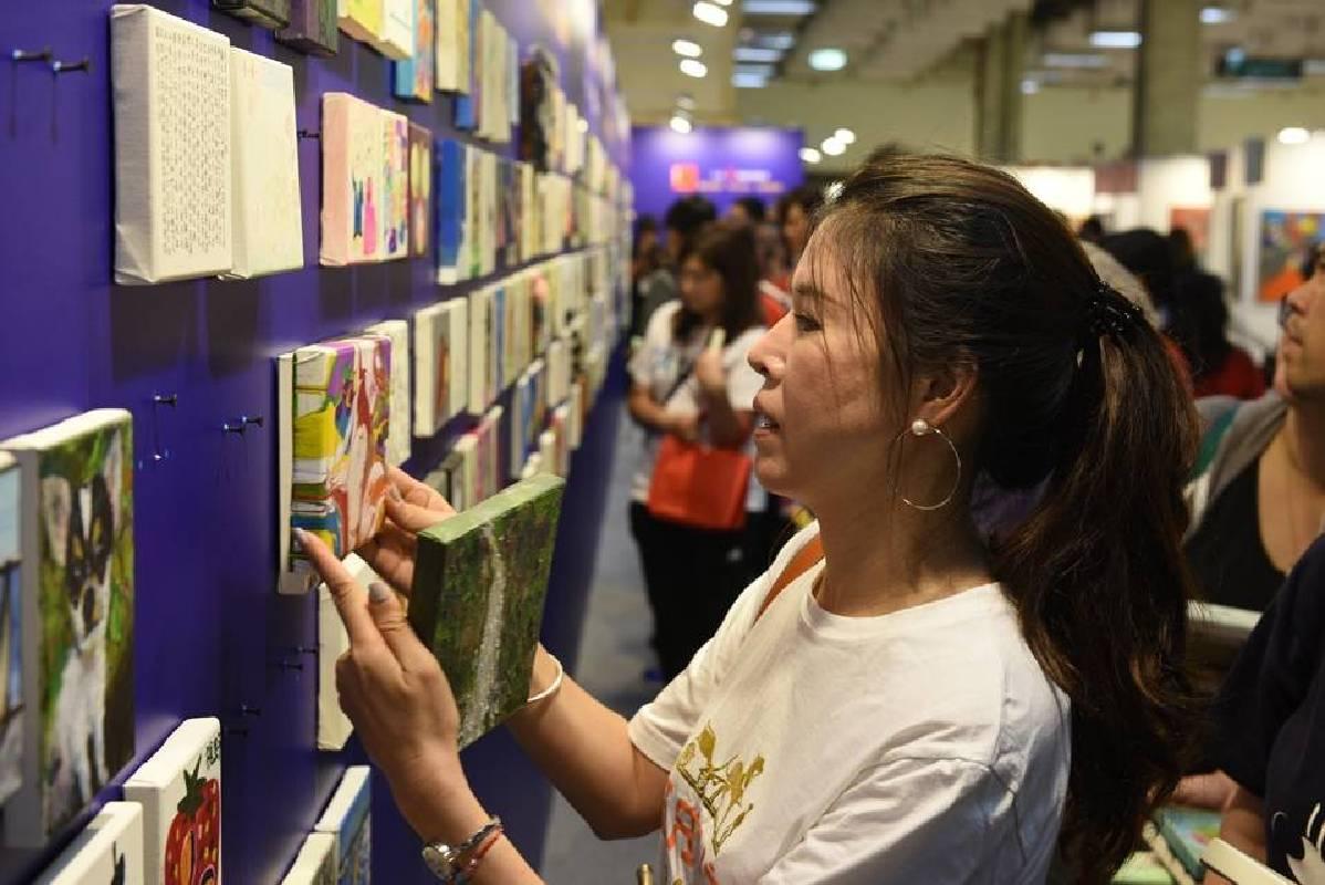「藝出慈悲‧百大名人」慈善義賣活動共募得444,000元,全數捐贈給「唐氏症基金會」。