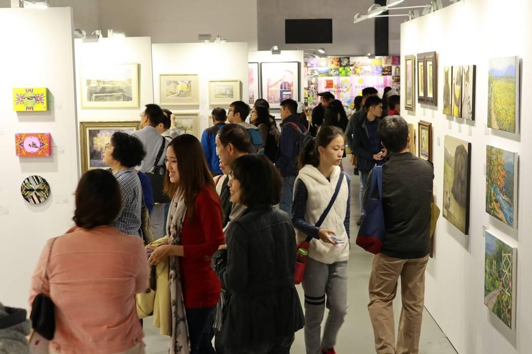 2018 ART easy台灣輕鬆藝術博覽會將於10月26日至28日在松山文創園區一號倉庫登場。