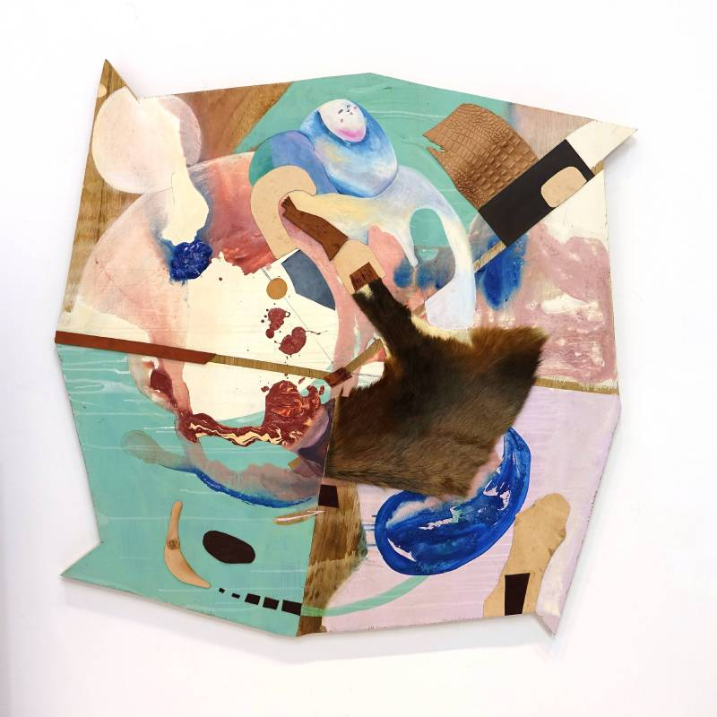 卓卉芹  CHO, Hui-Chin_一本正經的初生兒 A solemn infant_壓克力彩、油彩、皮革、木板Acrylic, Oil, leather on wooden board_120.5x115.5 cm (70號)_2017