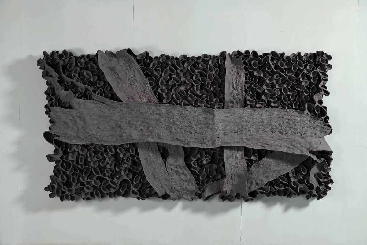 《2018-11》, 高溫陶, 168x318x45cm, 2018