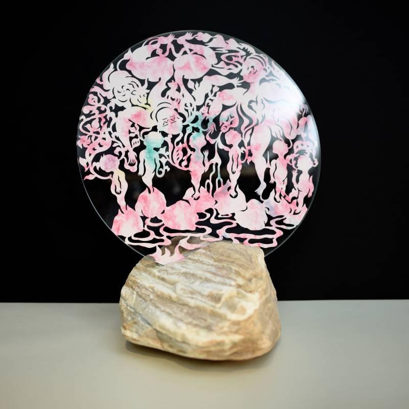 吳耿禎 篝火—石頭-01-2 2018 紙、玻璃、紋石 ed.2/2 47×40×30cm