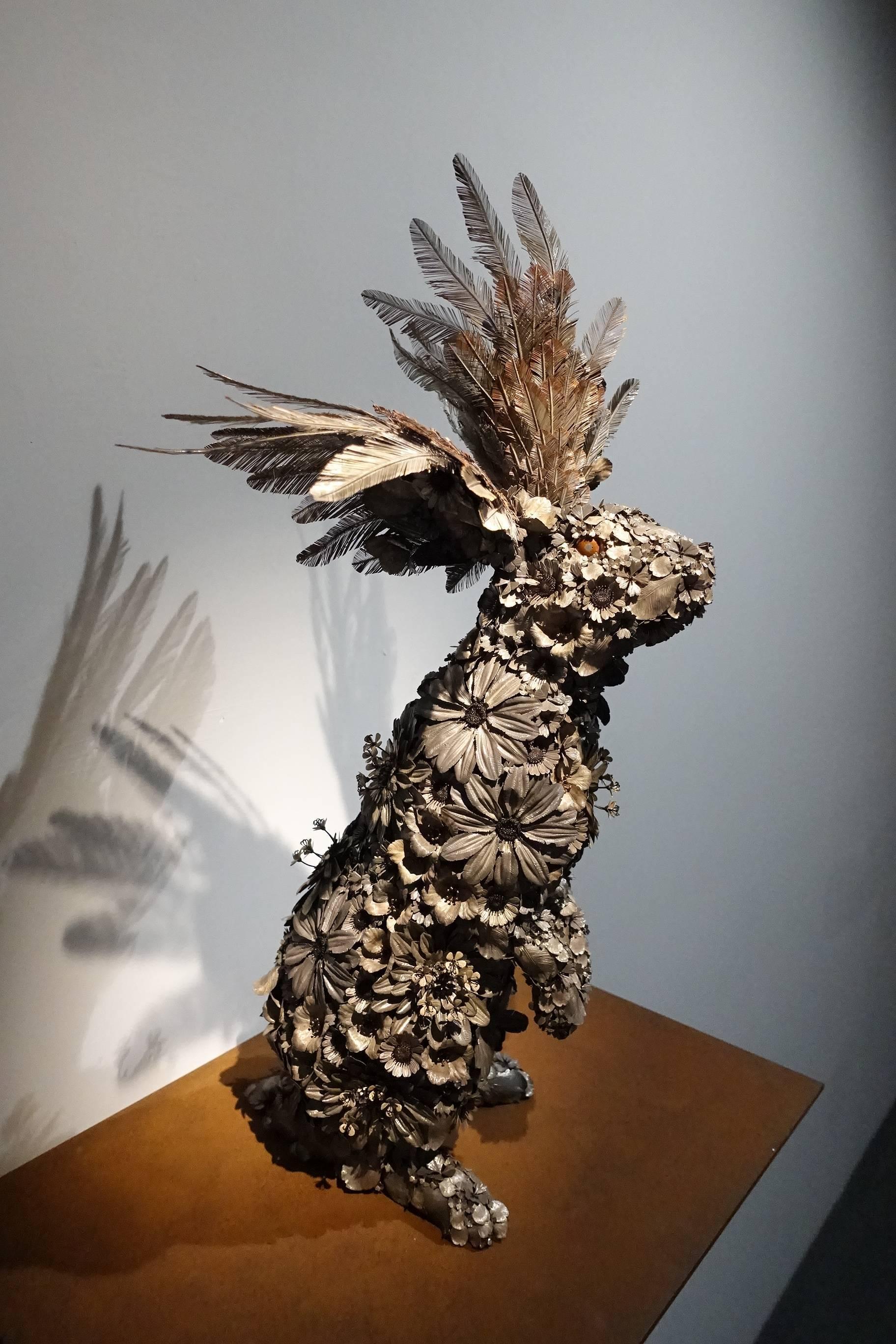 吉田泰一郎 (YOSHIDA Taiichiro)作品《羽翼花兔》。