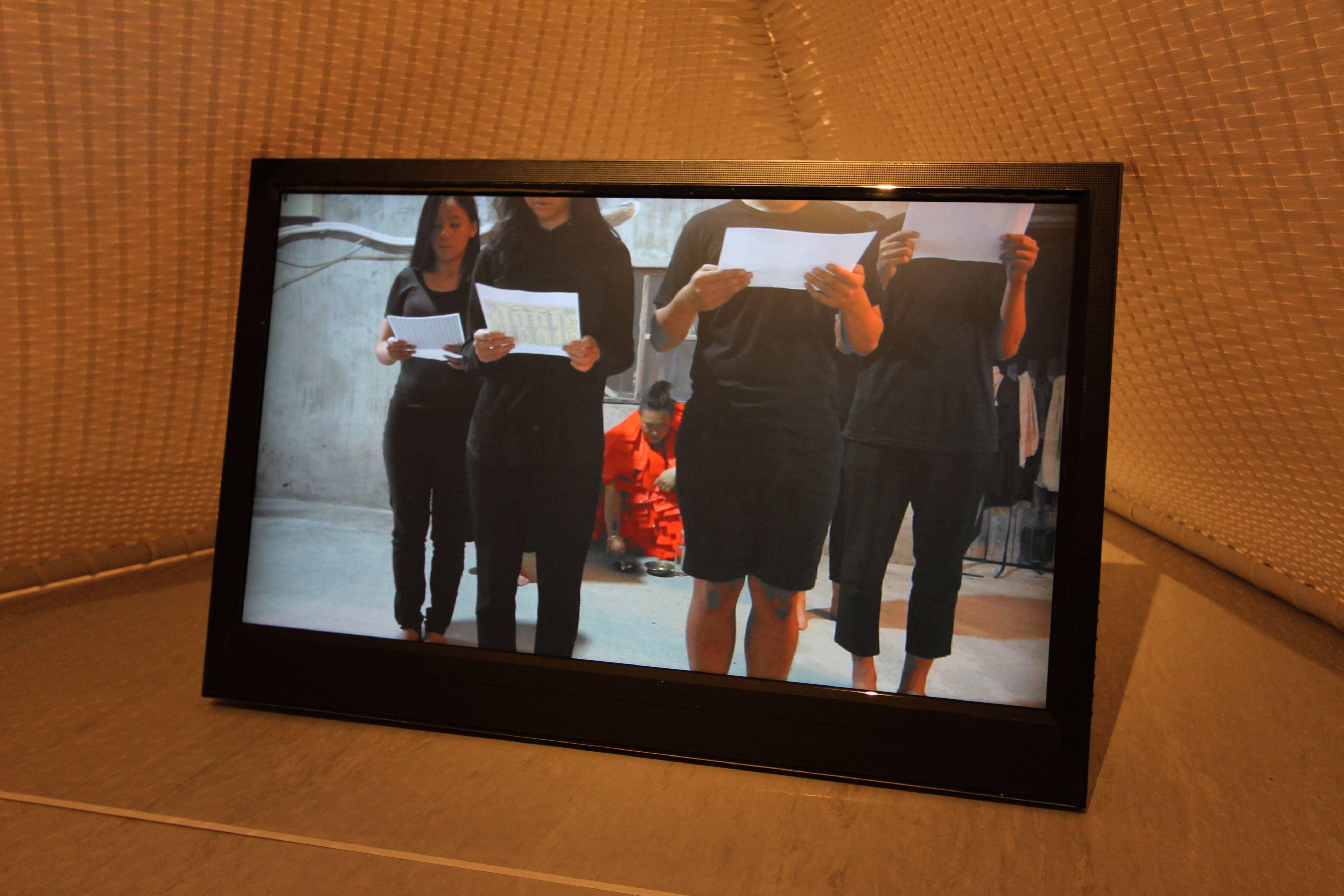 2018台北美術獎入選作品。東冬.侯溫,《3M—三件正在發生的事》,錄像、裝置、行為紀錄,尺寸依場地而定,2018。