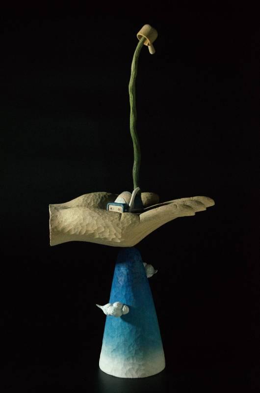 張士飛│湖中散記-山澤│21.5x11x45 cm│樟木、桂楠木/壓克力顏料、色鉛筆│2019