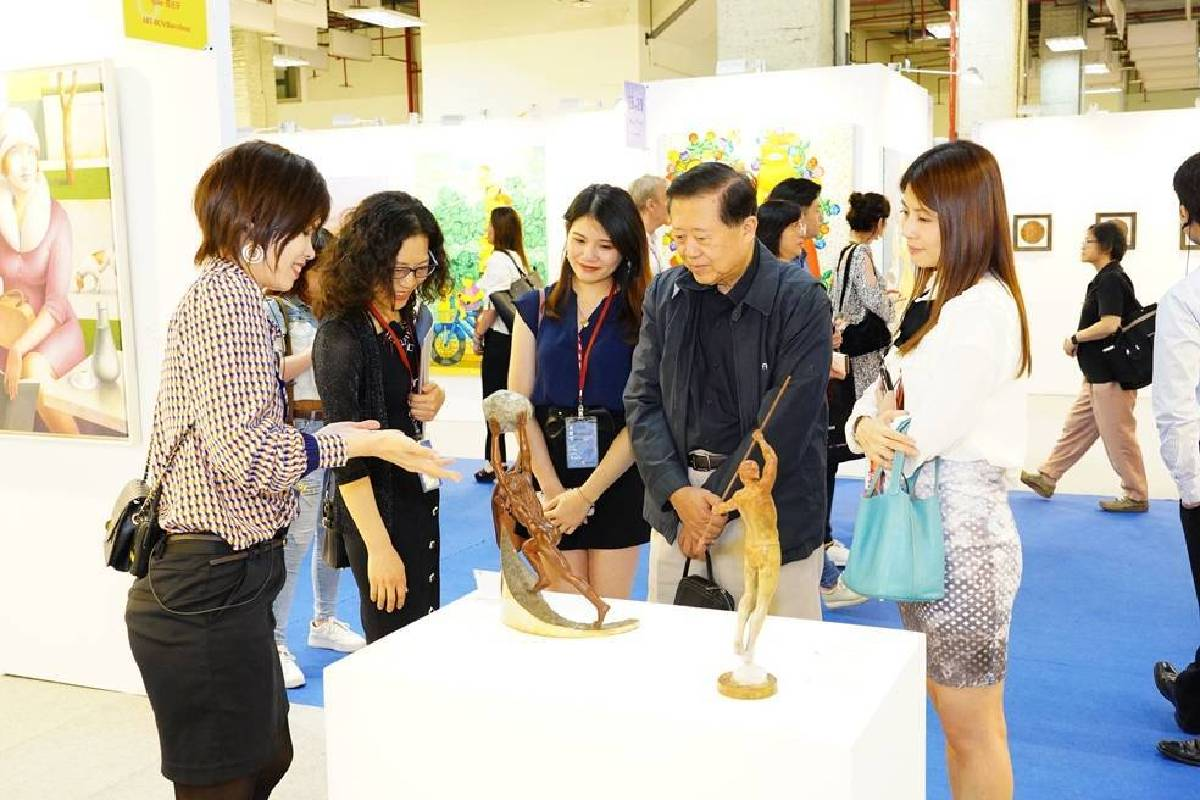 台北新藝博的權威性已廣受藏家信賴及肯定,海外連線購買、搭機來台收藏成常態。