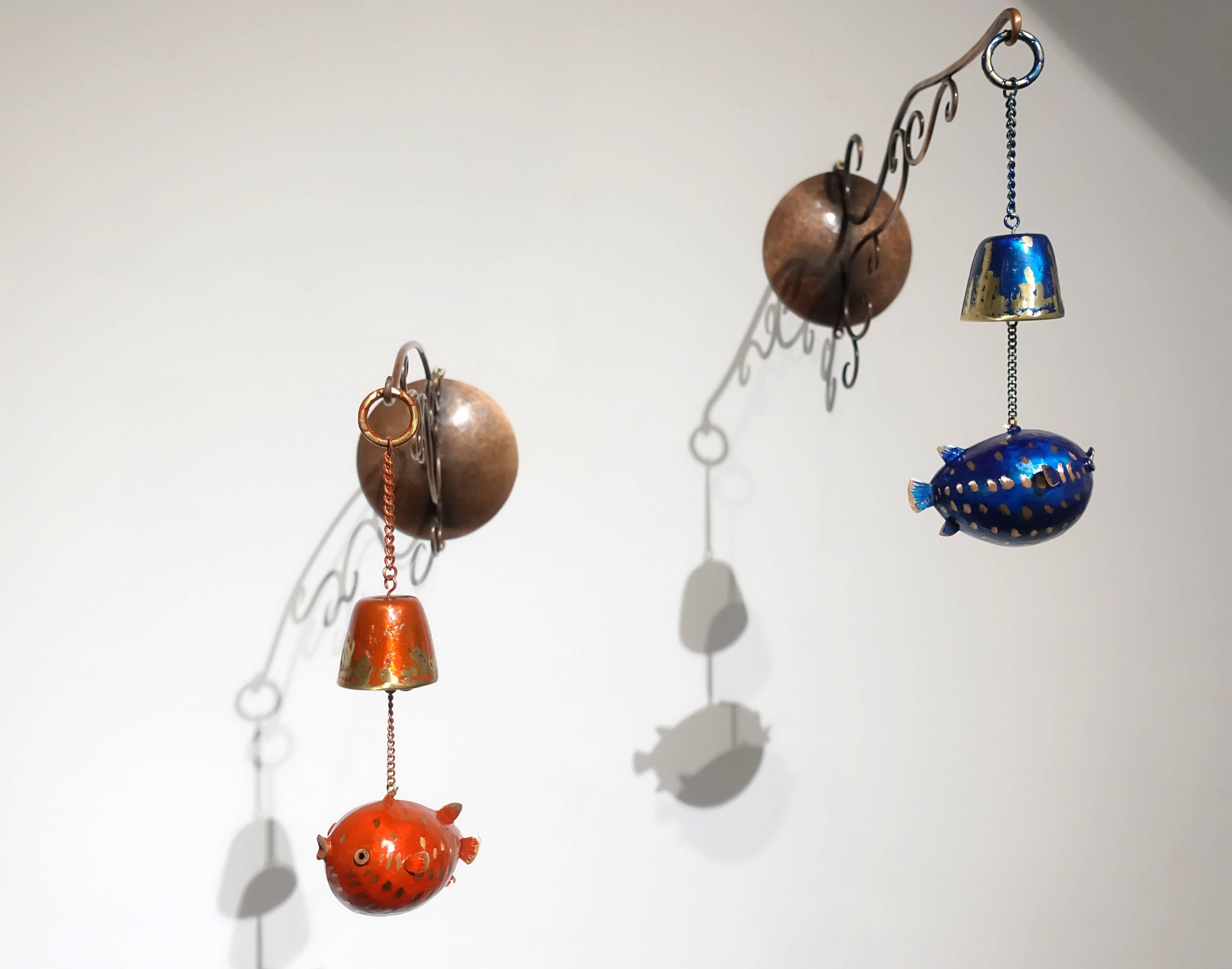 表溟善Pyo Myeong sun,《牆架1》《牆架2》,紅銅、黃銅、硝酸銅。