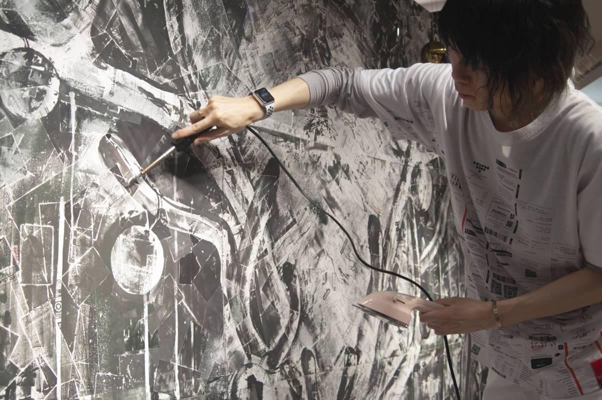 VIKI「白的訪問者」攝於橫濱高島屋