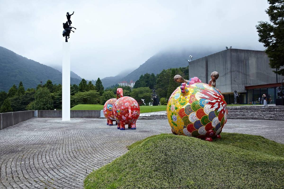 2013年日本箱根雕刻之森美術館入口廣場,風景絕美