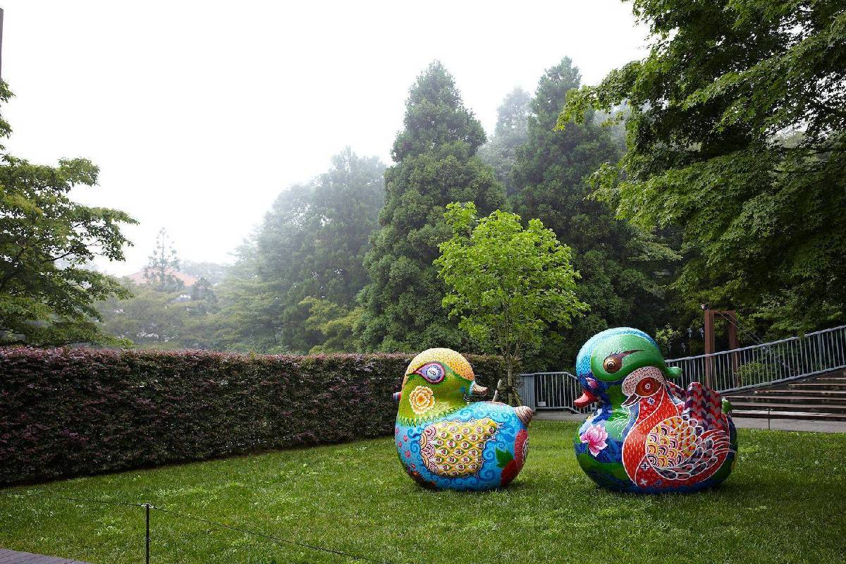 2013日本雕刻之森戶外展區 洪易 鴛鴦 2013 鋼板烤漆160x105x160cm