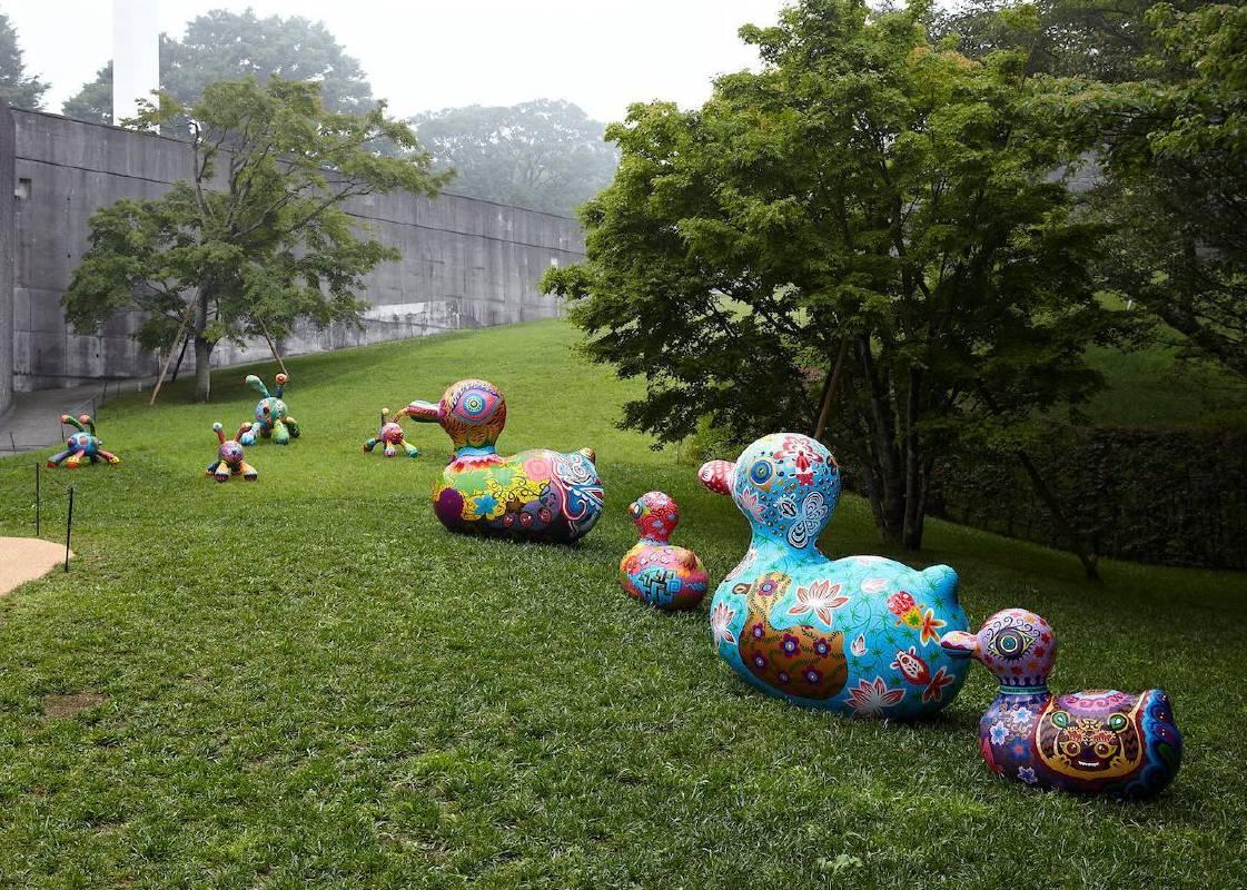美術館戶外展區 奔跑兔群組與鴨群組
